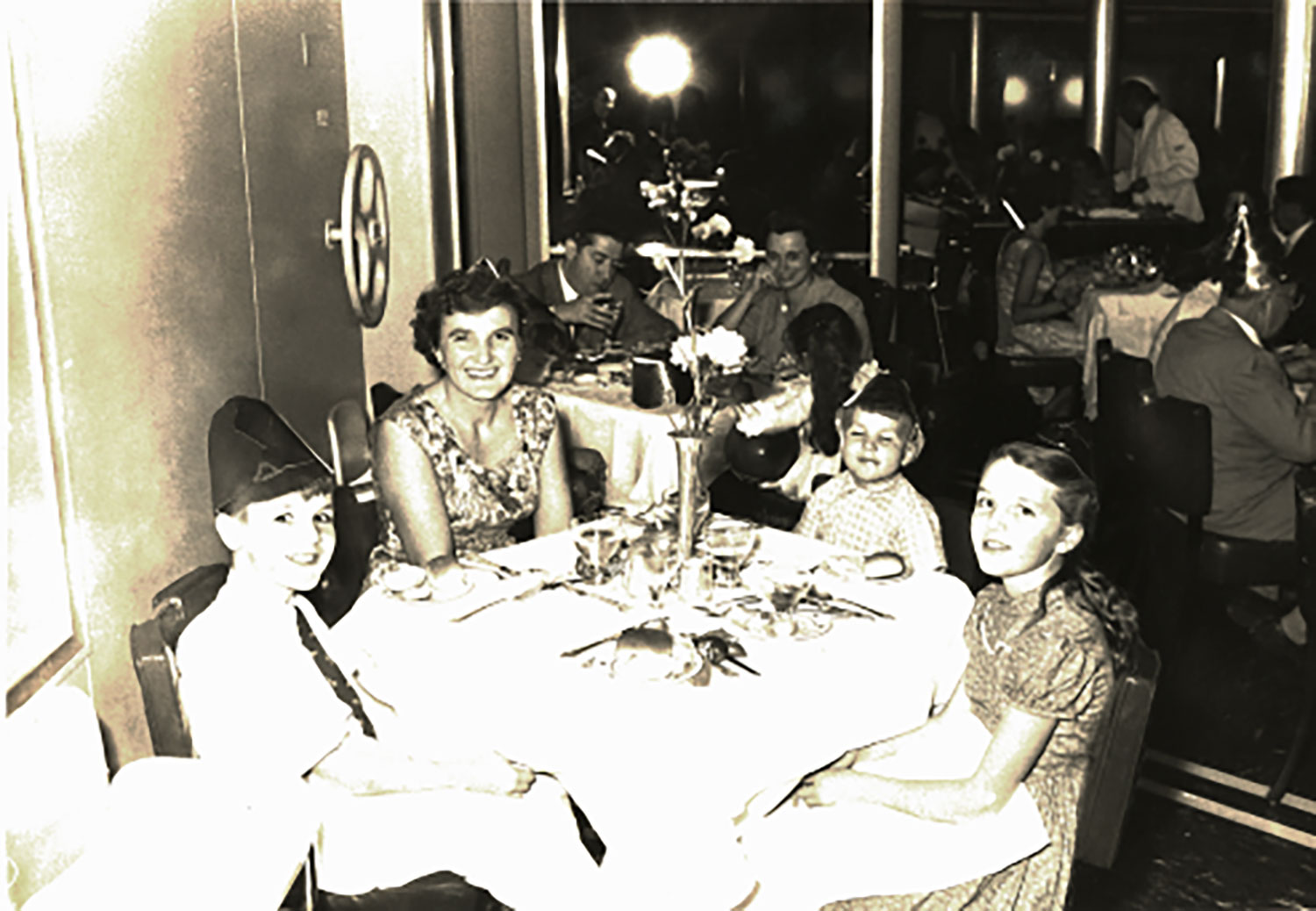 Dining in the SS United States
